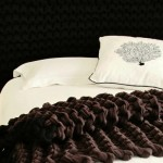 (GAllery)Ink Queen bed head and chocolate and black and ecru stripe bed cover
